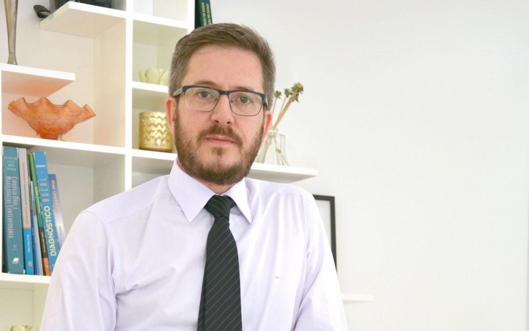 Luiz Guilherme é entrevistado por Thais Bezerra